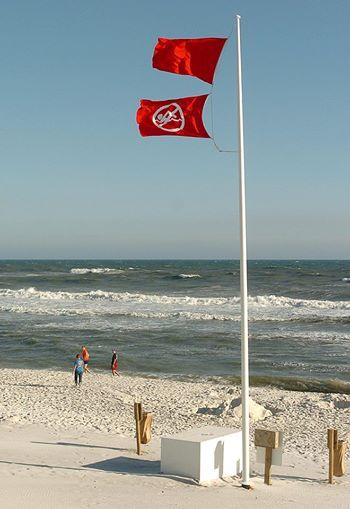 Double Red Flags Were Flying In Walton County March 28 2005 Keeping Vacationers And Locals Out Of The Dange Fort Walton Beach Beach Communities Walton County