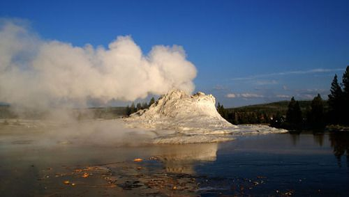 What Yellowstones geysers can teach us about volcanoesA closer look at the Lone Star Geyser could help scientists predict volcanic eruptions.