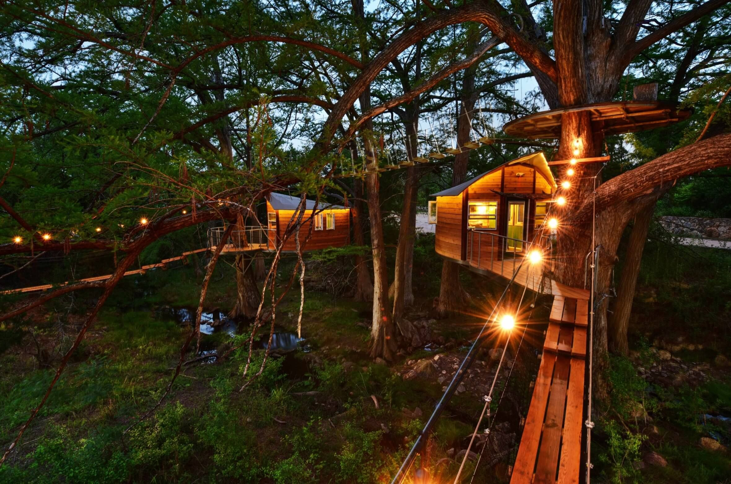 Cypress Valley Treehouse, Texas | Amazing treehouse getaway in Texas | Stay in an authentic treehouse @hockinghillstreehousecabins.com #treehouse #treehouseresort #treehousevacation #treehousegetaway