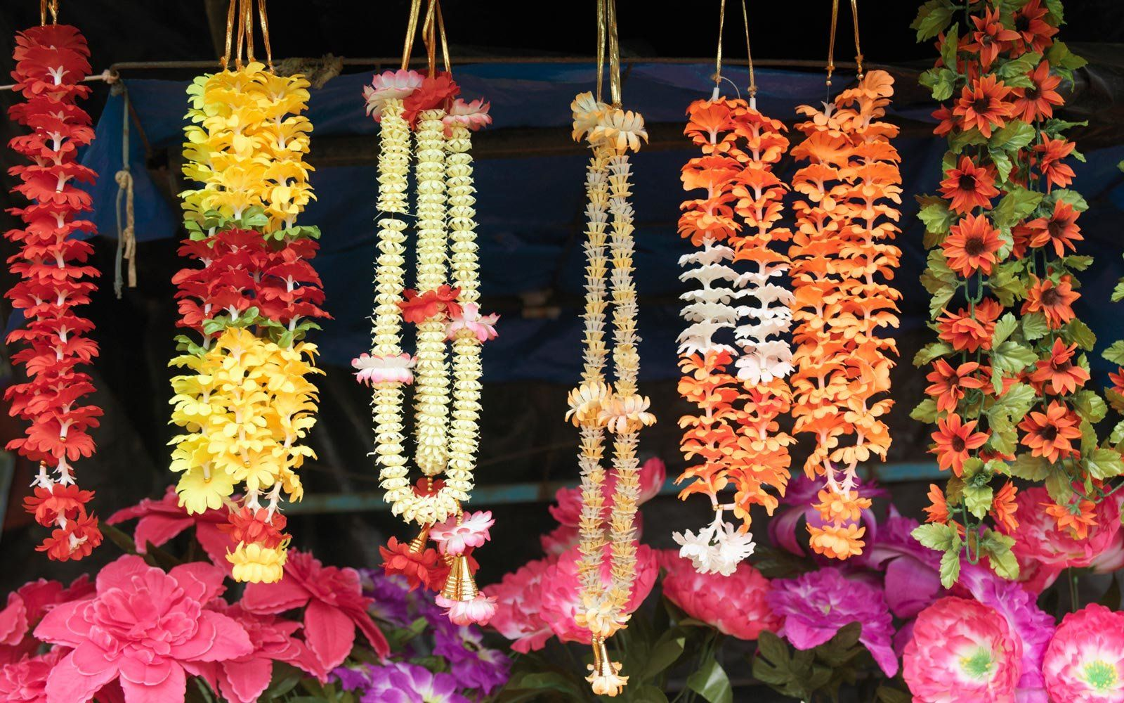 Hawaiian traditions to know before you visit hawaiian