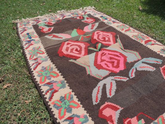 Boho Turkish kilim rug with rose design by khalkedonkilims on Etsy