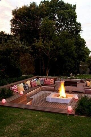 Sunken Deck And Fire Pit. We Might Use Some Of These Ideas If We Tier The  Yard. Seating On Tiers Around A Firepit.