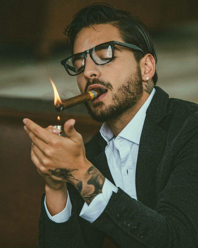 fúzy fajčenie