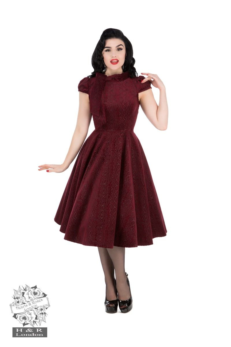 fc4b08d1d7f photo n°1   Robe PIN-UP H R LONDON en velours bordeaux