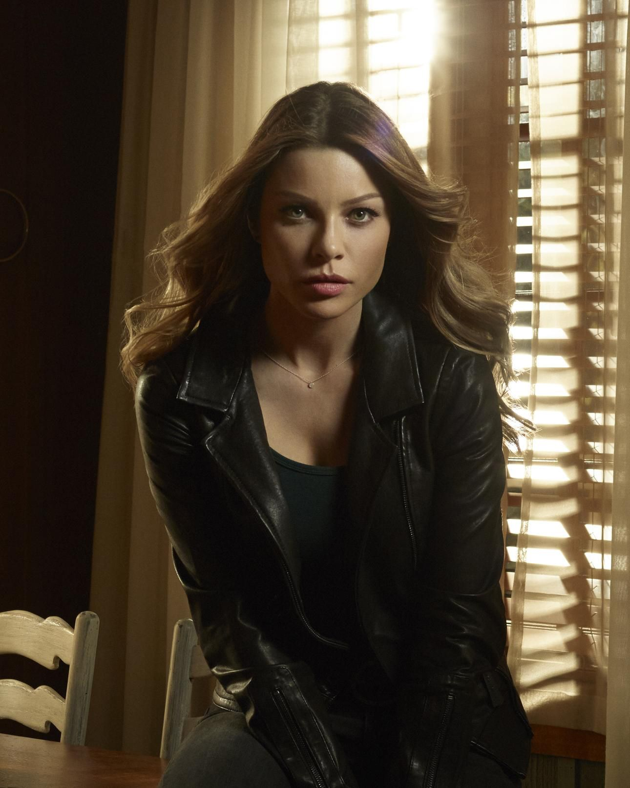 "Lucifer S1 Lauren German As ""Chloe Decker"""