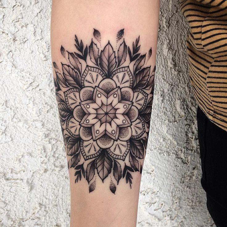 Mandala Tattoo Ideas #TatuaggioIdeeInspirazione #idea #mandala #tatuaggio #tattooidea …