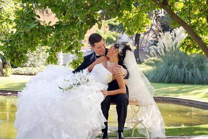 Düğün fotoğrafçısı Mustafa Uzun gelin damat albümleri için sıradan düğün fotoğrafları yerine unutulmaz evlilik fotoğrafları ile yanınızda