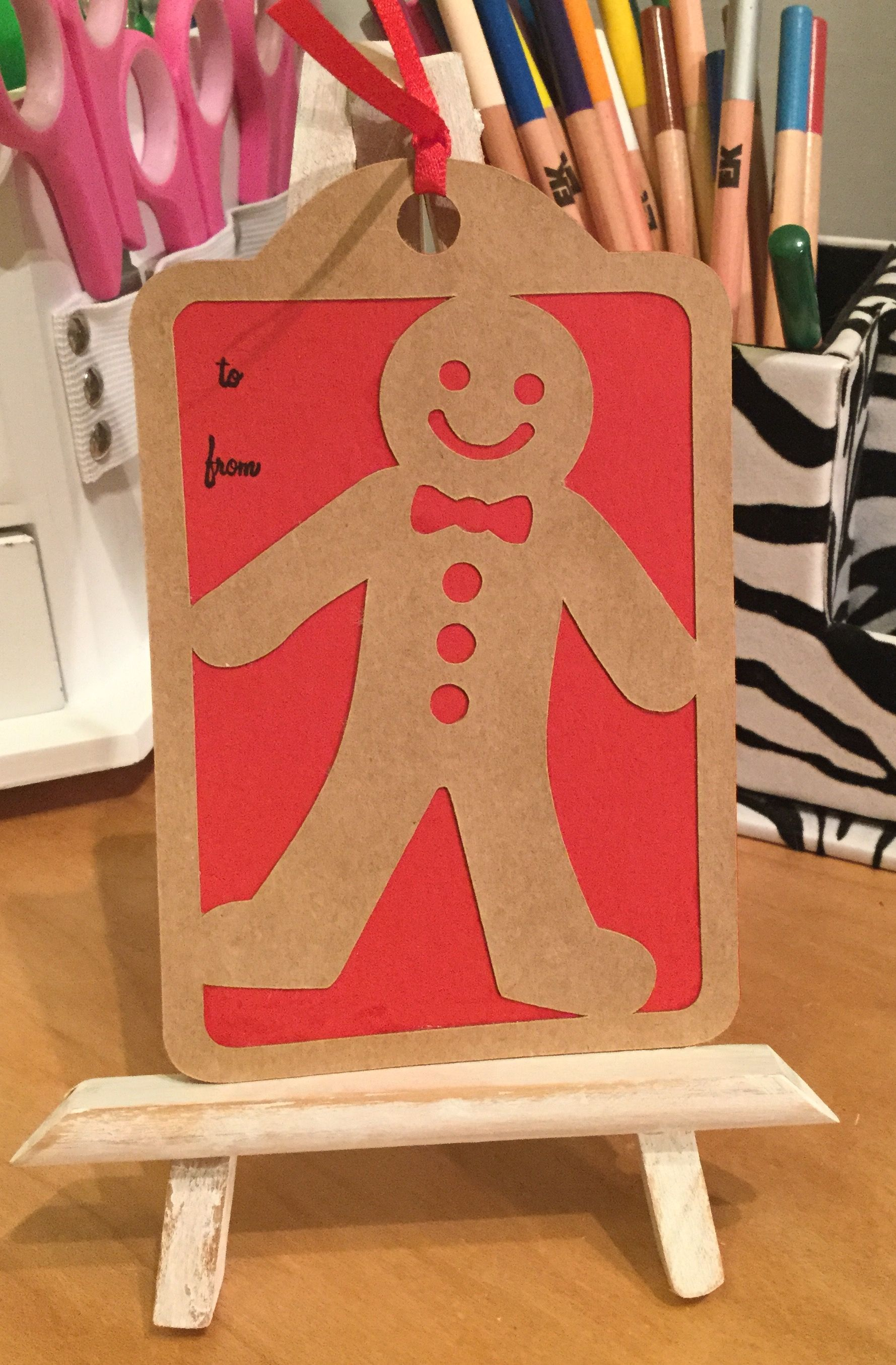 Christmas gift tag made with cricut very merry tags