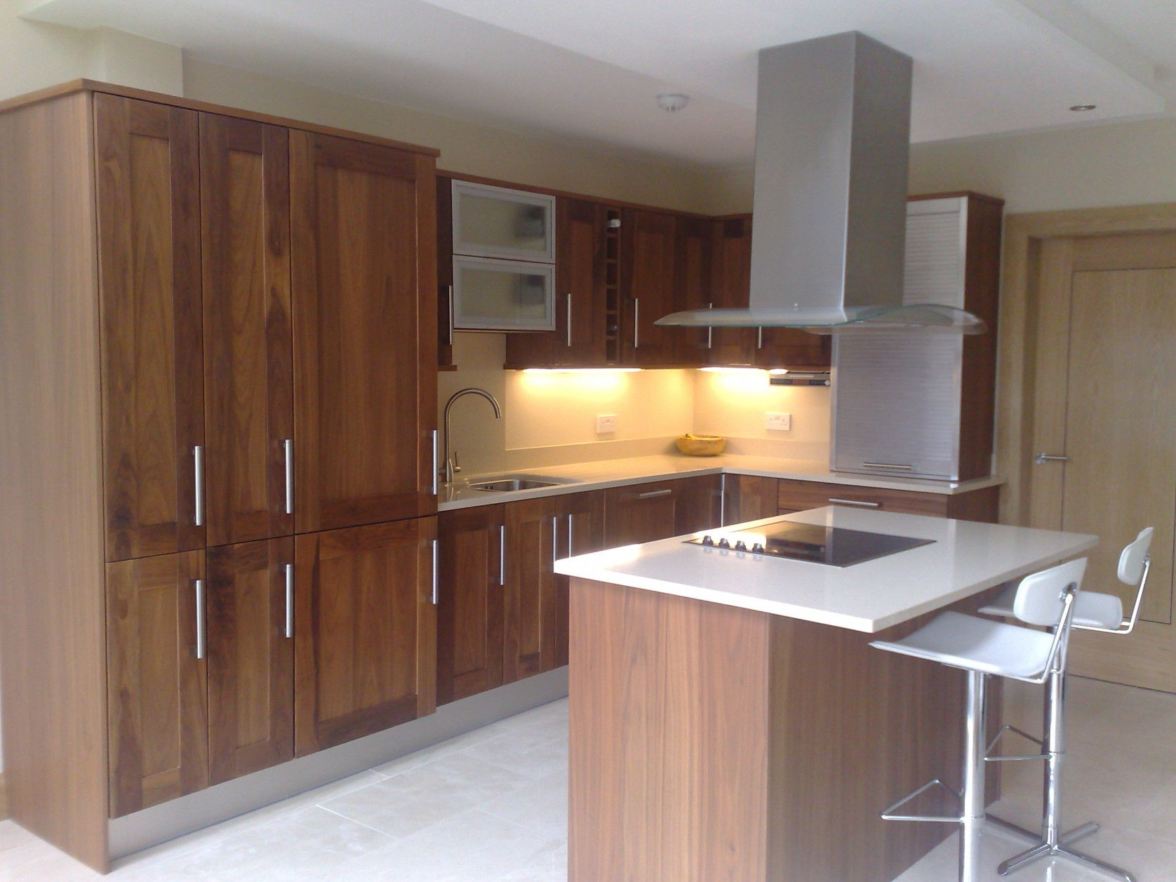 50 Solid Walnut Kitchen Cabinets Kitchen Cabinets Storage Ideas Check More At Http Ww Walnut Kitchen Shaker Style Kitchen Cabinets Walnut Kitchen Cabinets