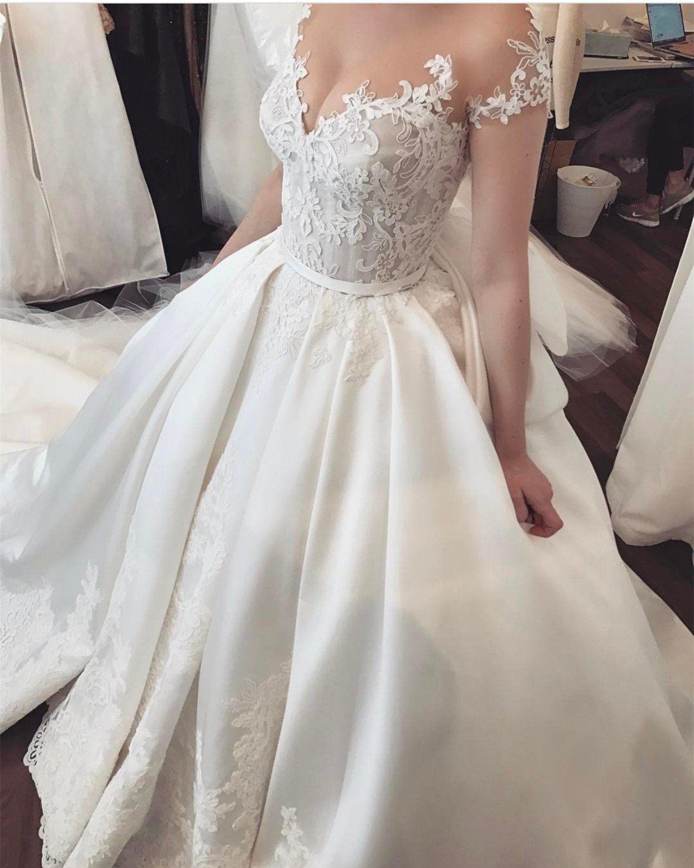 Vintage Lace Appliques Cap Sleeves Satin Wedding Dresses