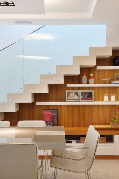 Aparador Madeira Vidro Branco Com Imagens Escada Na Sala