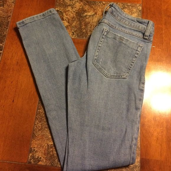 F21 Denim Skinny Jeans Beautiful light wash demin jeans. Love these but they don't fit me anymore :( Forever 21 Jeans Skinny