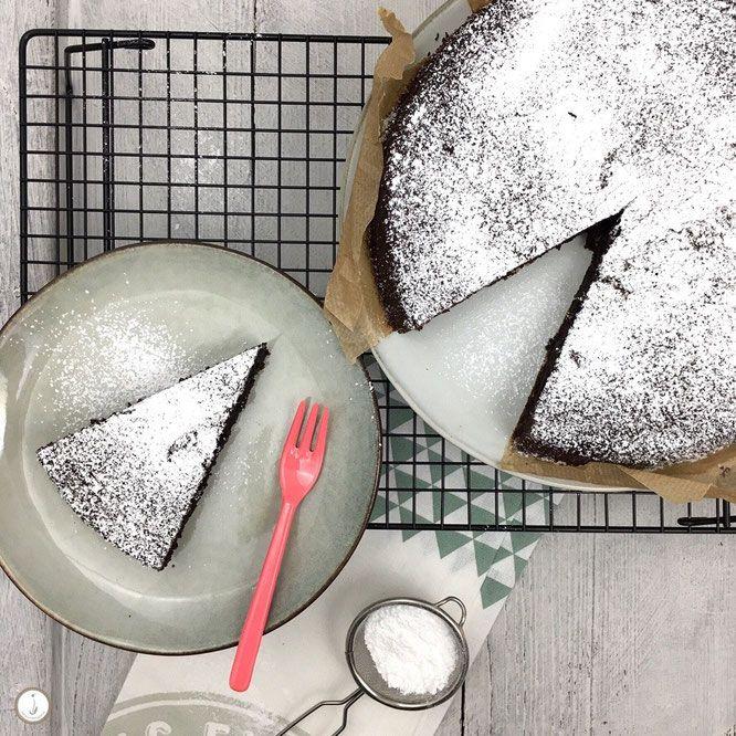 Glutenfreier Schokoladenkuchen mit Olivenöl