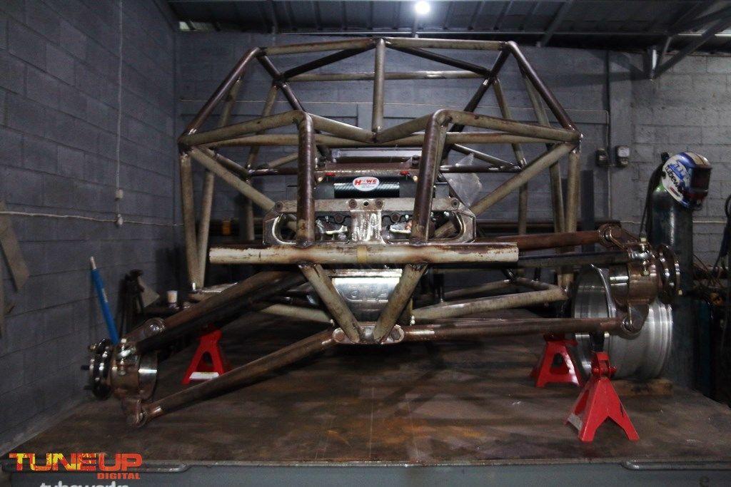 Full Tubular Mid LS9 Engine 4WD Race Truck | race-deZert