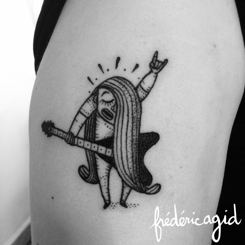Tatouage Noir Personnage Guitare Rock Bras Musique