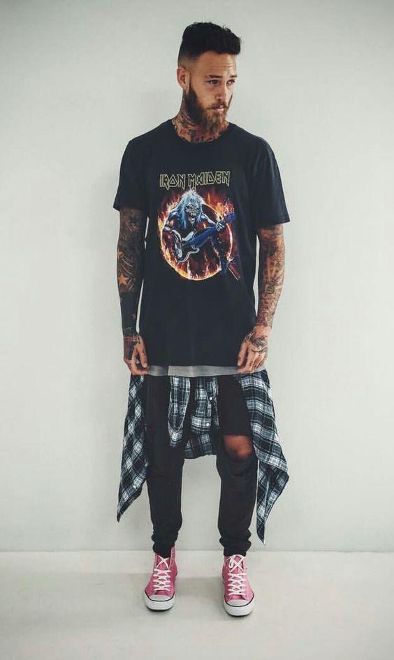 ff339f2a233f1 Look Estilo Rock Masculino com Camiseta de Banda
