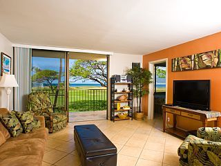 Direct Oceanfront EVERY Room; Peaceful Paradise for Two Couples or your FamilyVacation Rental in Kihei from @homeaway! #vacation #rental #travel #homeaway