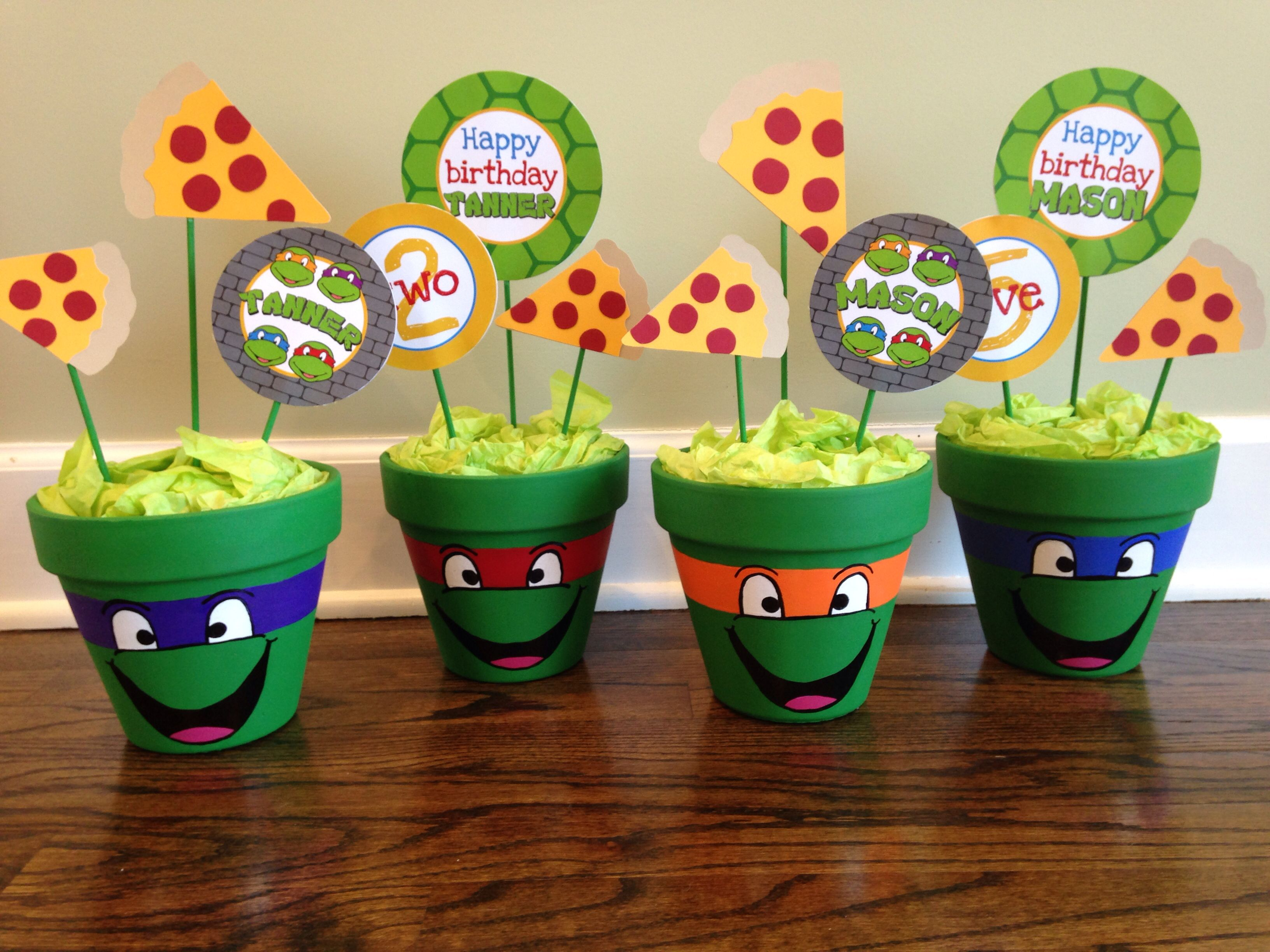 Centerpieces ninja turtle birthday pinterest for Tmnt decorations