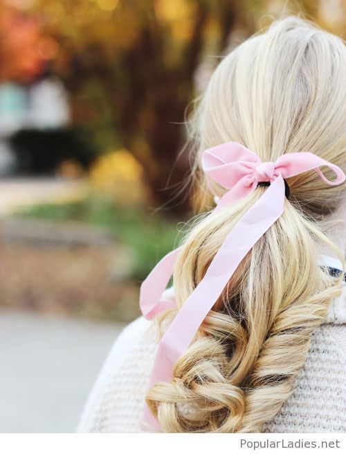 Blonde Hair Into A Ponytail With A Pink Bow Preppy Hairstyles Hair Styles Vintage Hairstyles