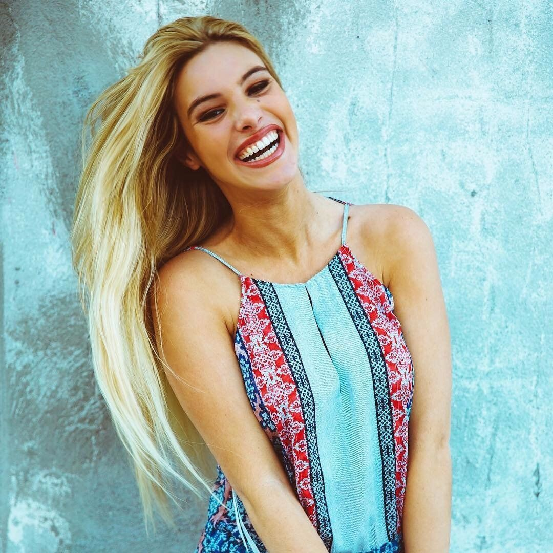 youtuber lele pons with a big smile beautiful ladies