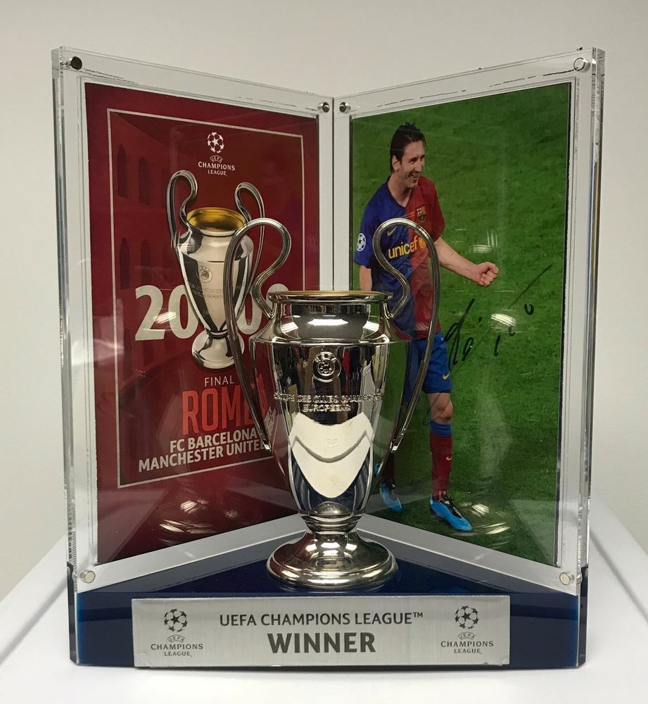 Lionel Messi Signed 5x7 Photo Autographed w  3D Miniature Trophy Replica  Display  fútbol  soccer 9960c8adbcd