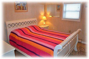 Best Master Bedroom With Queen Bed Tile Floors Hdtv Ceiling 400 x 300