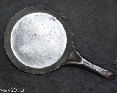 ANTIQUE ACME COLD HANDLE NUMBER 8 10.5 STEEL SKILLET ACME SPIDER JULY 25 1911