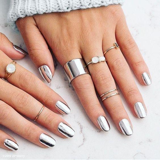 Hoy en #Fashionisima.es cómo conseguir uñas efecto espejo ...