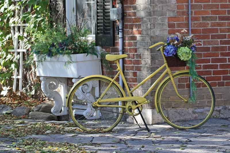 Yellow Bike Yard Art With Images Yard Art Flower Pedals