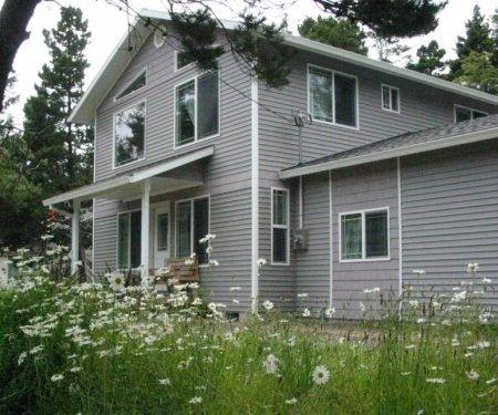 3 Bedroom Cottage Rental in Rockaway Beach, Oregon, USA - Beachside Cottage - Hermit Crab