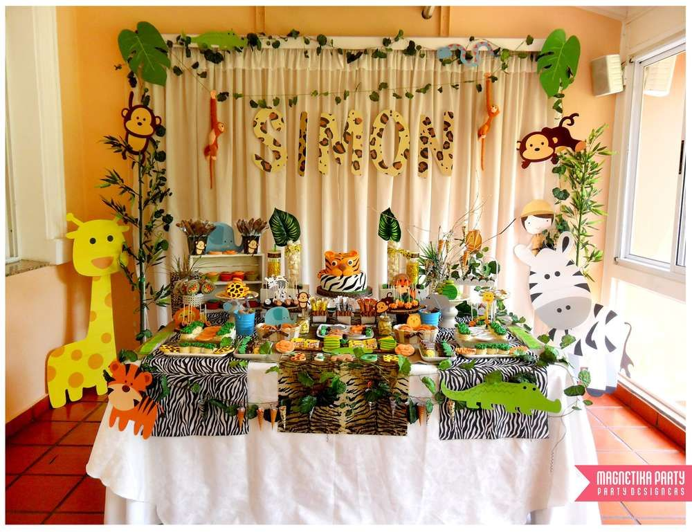 Jungle baptism party ideas in 2019 dessert tables on catch my party baptism party jungle - Deco table jungle ...