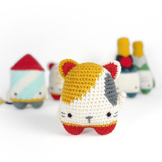 4 seasons: NEW YEAR\'s EVE (firework rocket, champagne, lucky cat ...
