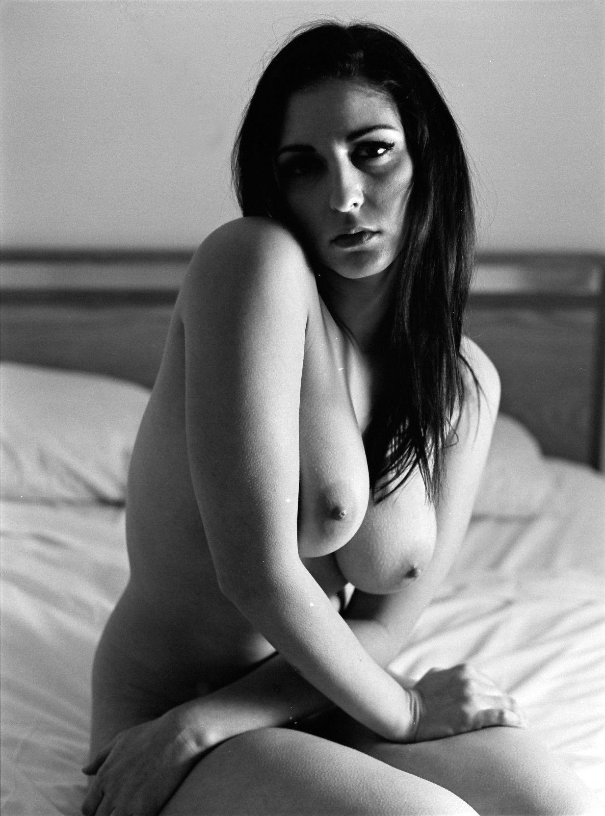 formus Nude shots