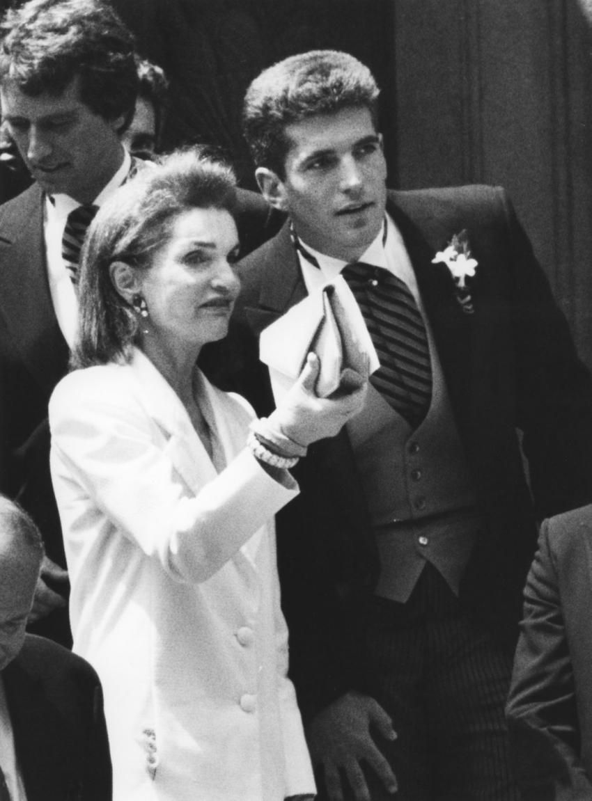 John F Kennedy Jr Wedding Jackie Kennedy Onassis And John F Jr After Wedding Of Kerry Kennedy John Kennedy Jr Jackie Kennedy Jackie Onassis