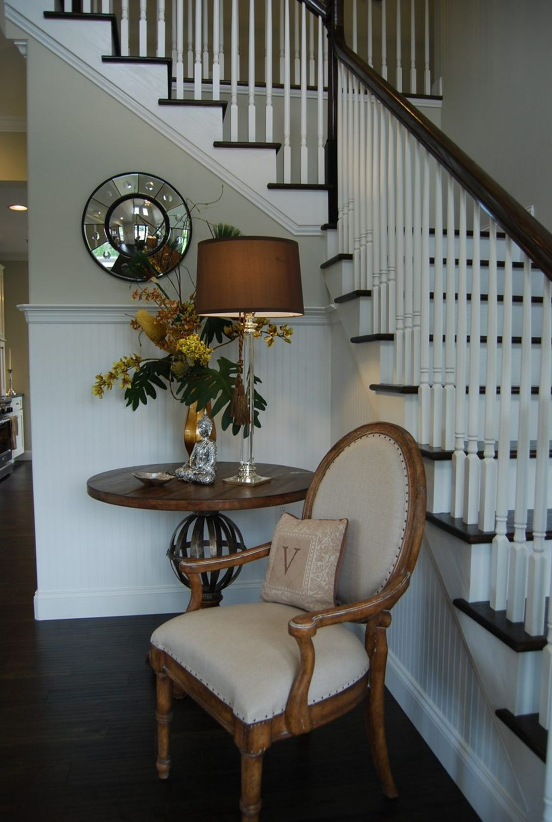 30 fabulous small entryway decorations to enhance the on small entryway console table decor ideas make a statement with your home s entryway id=86655