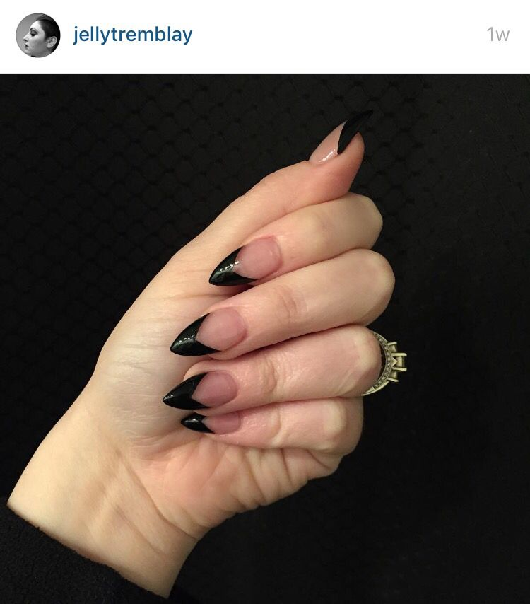 Black Stiletto With A Pointed French Tip Acrylic Nails Stiletto Pointed Nails Goth Nails