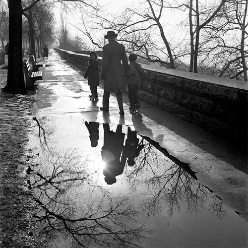 Les fleurs et La souris • secretcinema1:   New York, 1953, Vivian Maier