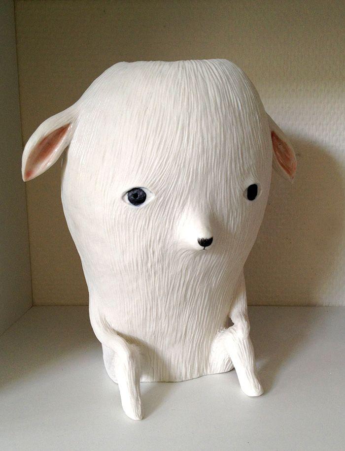chien poiulou Nathalie Chouxs Ceramics.