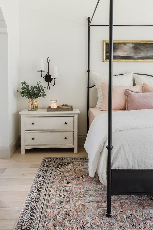 Budget-friendly Summer Master Bedroom Looks with @bhglivebetter  Featuring dusty pink cotton sheets and chenille accent pillows, amber glass vase, woven rattan oil diffuser and wood tray from @walmart #bhg #bhghome #sponsored
