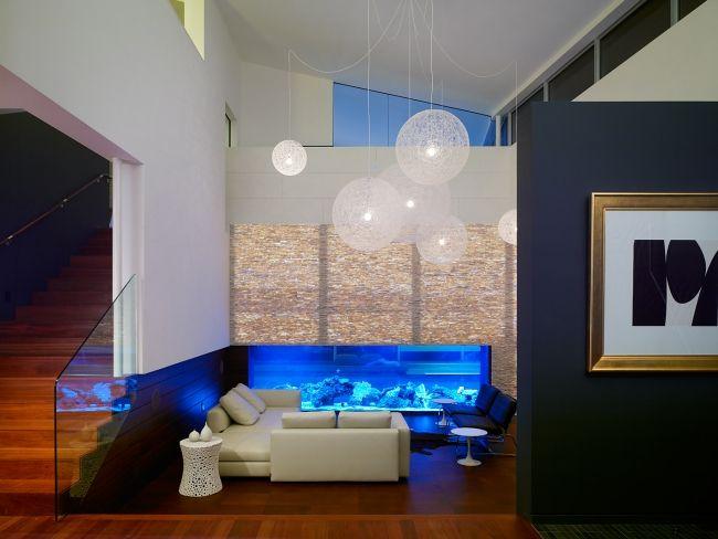 Aquarium Modernes Wohnzimmer Holzboden Blaue Lampen