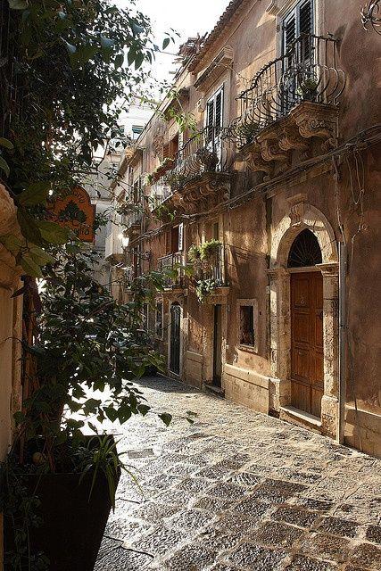 Italy Travel Inspiration - Siracusa, province of syracuse , region of Sicily Luke Robinson's photostream