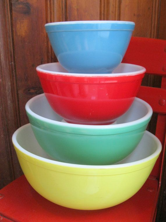 Set of 4 Vintage Pyrex Primary Mixing Bowls Old Stuff