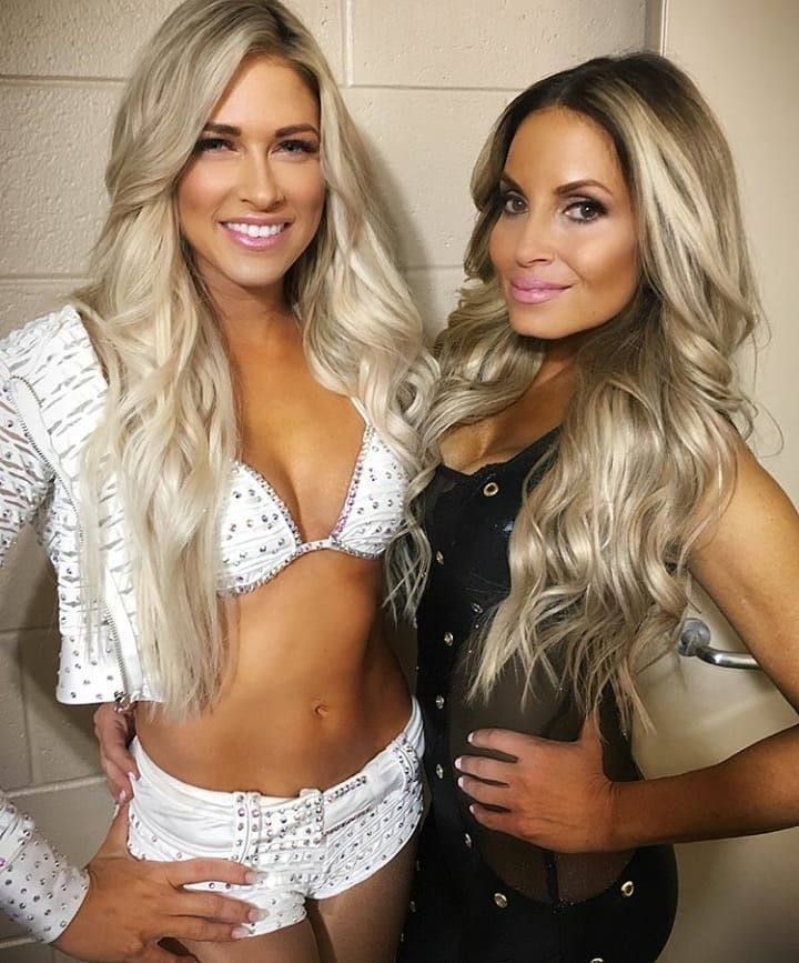 Kelly Kelly And Trish Stratus Wwe
