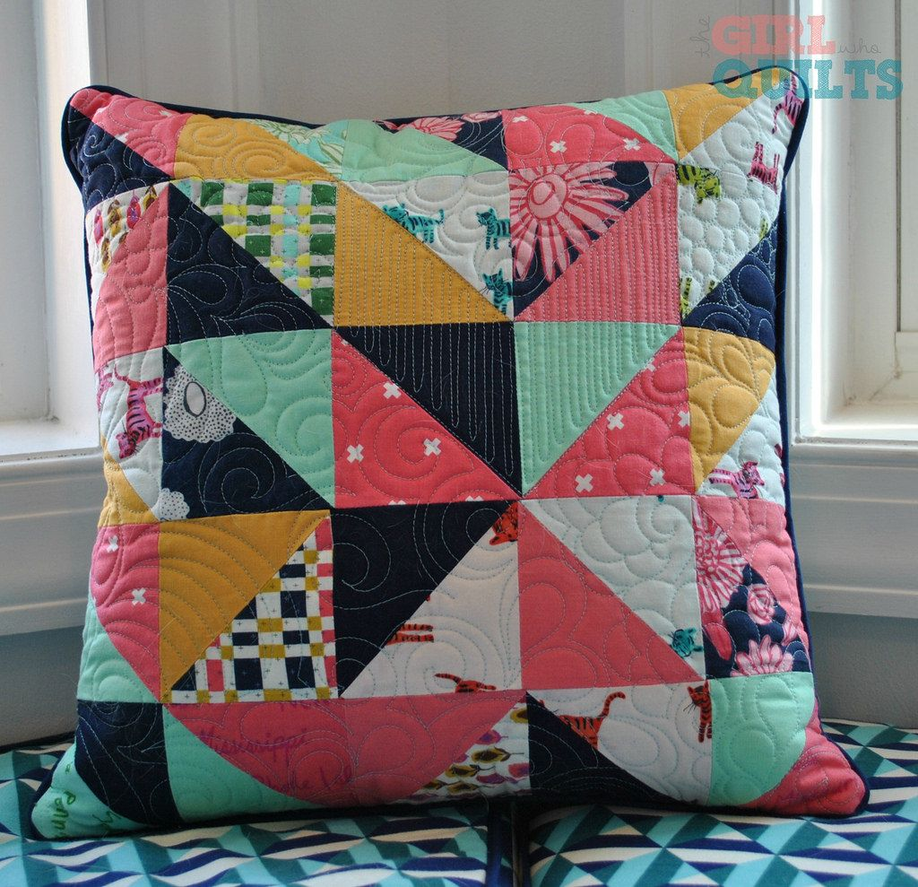 blogged: www.thegirlwhoquilts.com/2015/04/roundabout-quilt-and-mat...