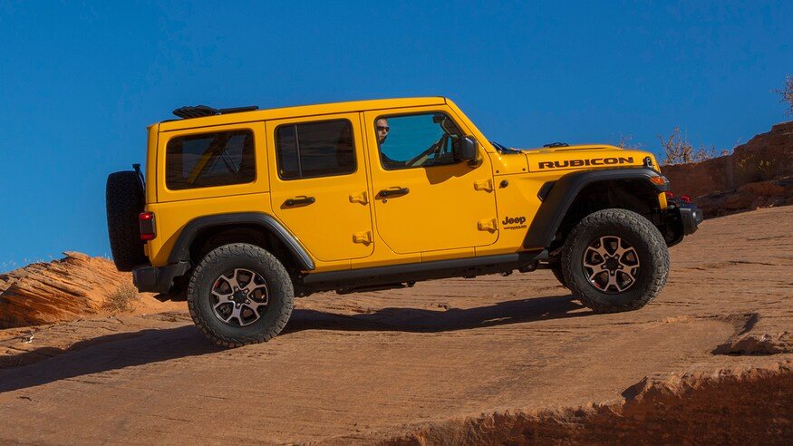 2020 Jeep Wrangler Ecodiesel Vs 2 0 Turbo Comparison Which Jeep Is Best Jeep Wrangler Jeep Wrangler