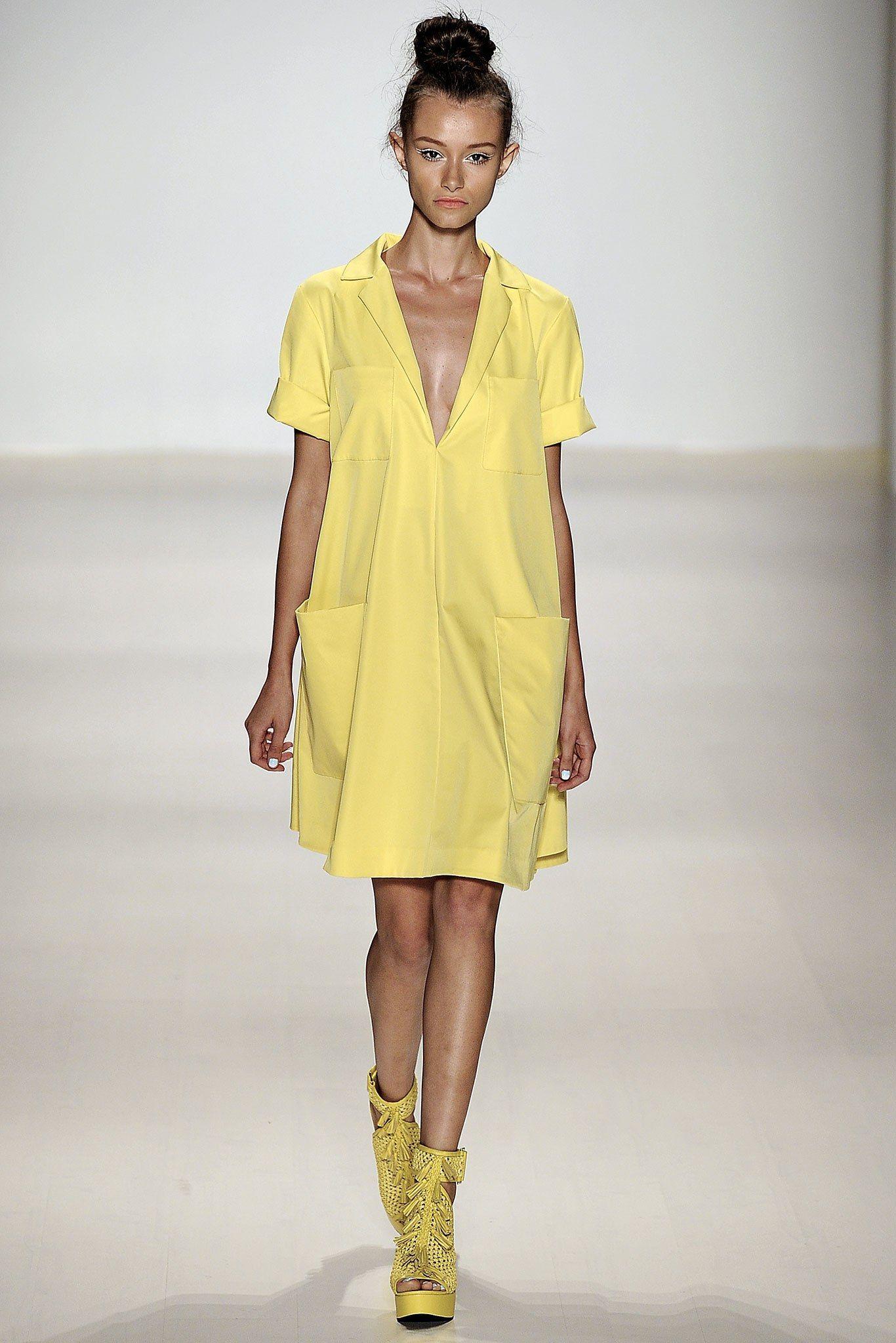 Nanette Lepore Spring 2015 Ready-to-Wear Fashion Show #asymmetrischerschnitt
