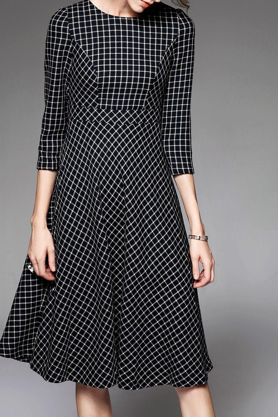 AGD -  Checked Round Neck Midi Dress