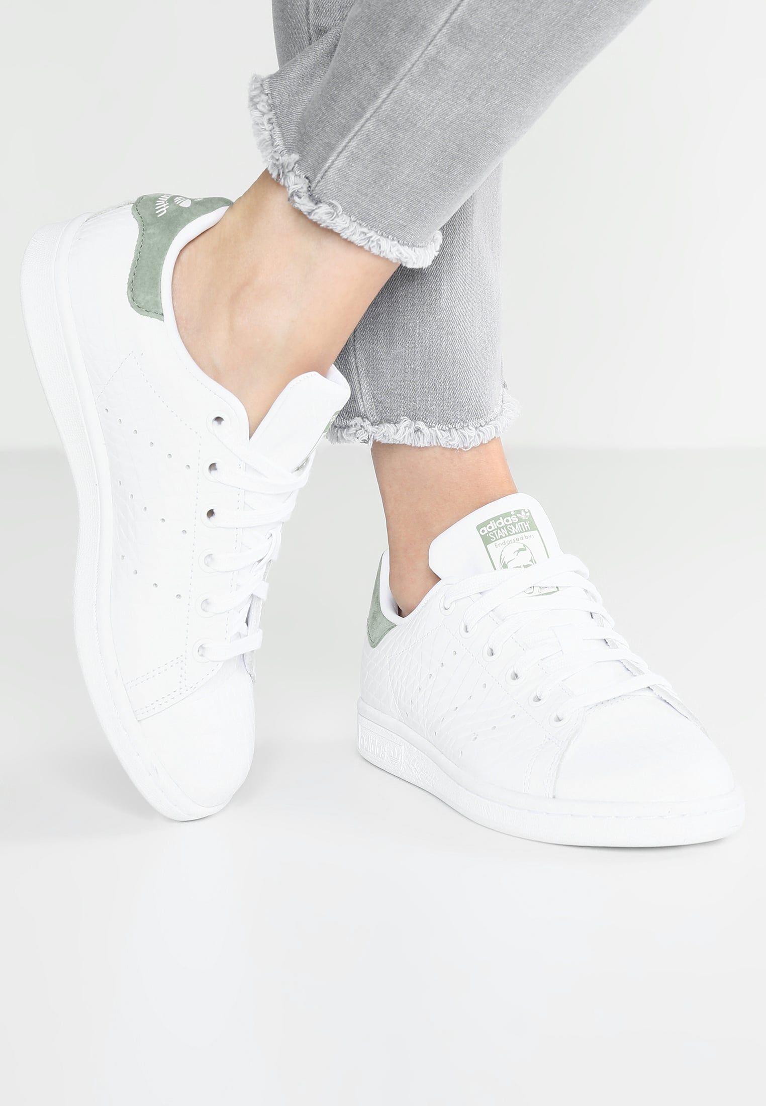 low priced d544b e474a adidas Originals STAN SMITH - Sneaker low - footwear white trace green -  Zalando.