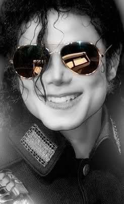 Love the pictures of Michael Jackson in the big sunglasses!   MJJ ... e914044caf