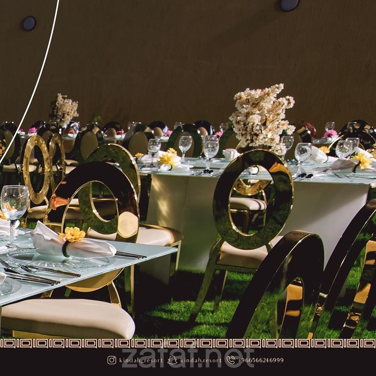 منتجع كندة الإستراحات الرياض Mirror Table Table Decorations Decor